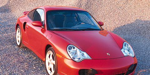 Motor vehicle, Tire, Automotive design, Vehicle, Land vehicle, Automotive lighting, Rim, Car, Transport, Alloy wheel,