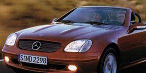 Motor vehicle, Mode of transport, Automotive design, Automotive mirror, Vehicle, Transport, Hood, Land vehicle, Headlamp, Grille,