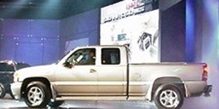 Wheel, Tire, Motor vehicle, Mode of transport, Automotive tire, Transport, Vehicle, Product, Land vehicle, Property,
