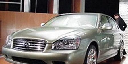 Motor vehicle, Tire, Mode of transport, Automotive design, Vehicle, Headlamp, Land vehicle, Hood, Automotive lighting, Transport,