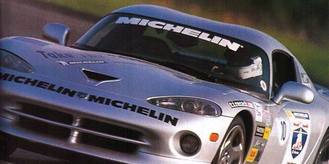 Automotive design, Vehicle, Land vehicle, Headlamp, Hood, Car, Grille, Sports car, Performance car, Automotive mirror,
