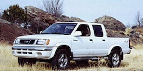Wheel, Motor vehicle, Tire, Vehicle, Land vehicle, Automotive tire, Transport, Rim, Truck, Landscape,