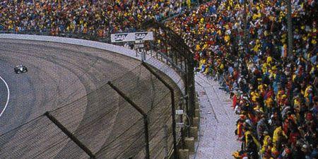 Sport venue, Race track, Crowd, Stadium, Fan, Arena, World, Audience, Racing, Auto racing,
