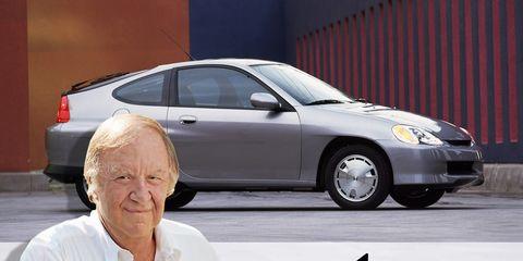 Tire, Automotive design, Vehicle, Land vehicle, Automotive parking light, Automotive tire, Automotive lighting, Glass, Car, Alloy wheel,