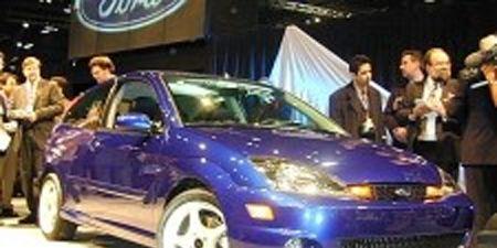 Tire, Motor vehicle, Wheel, Automotive design, Land vehicle, Vehicle, Hood, Car, Headlamp, Rim,