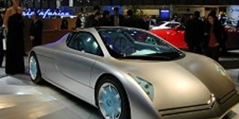 Motor vehicle, Tire, Mode of transport, Automotive design, Transport, Automotive mirror, Vehicle, Land vehicle, Event, Car,