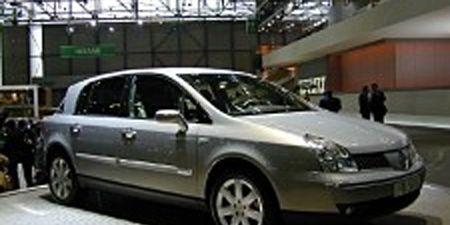 Tire, Wheel, Motor vehicle, Mode of transport, Transport, Vehicle, Automotive design, Car, Photograph, Rim,