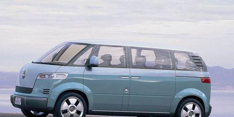 Tire, Wheel, Motor vehicle, Automotive mirror, Automotive design, Mode of transport, Automotive tire, Vehicle, Transport, Land vehicle,