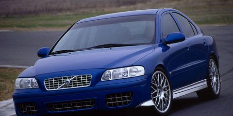 Tire, Automotive design, Blue, Daytime, Vehicle, Automotive mirror, Transport, Hood, Land vehicle, Car,