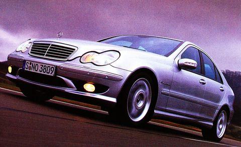 Tire, Wheel, Mode of transport, Automotive design, Vehicle, Automotive mirror, Hood, Transport, Land vehicle, Automotive parking light,