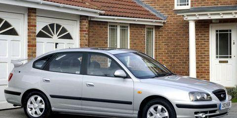 Tire, Wheel, Window, Land vehicle, Vehicle, Transport, Property, Rim, Automotive design, Infrastructure,