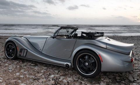Tire, Automotive design, Mode of transport, Vehicle, Photograph, Automotive exterior, Vehicle door, Car, Alloy wheel, Fender,