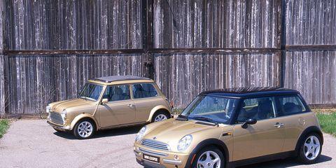 Tire, Wheel, Automotive design, Vehicle, Land vehicle, Vehicle door, Car, Wall, Rim, Automotive parking light,
