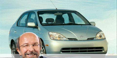 Motor vehicle, Automotive mirror, Automotive design, Vehicle, Land vehicle, Headlamp, Transport, Hood, Windscreen wiper, Shirt,