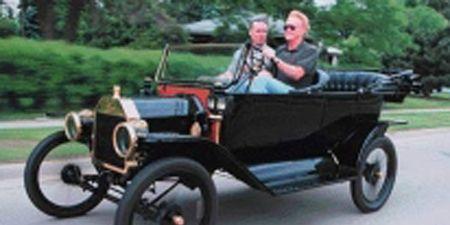 Mode of transport, Automotive design, Transport, Photograph, Classic, Antique car, Classic car, Vintage car, Spoke, Driving,