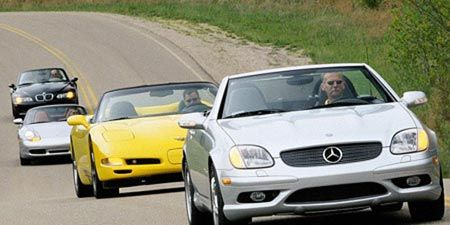 Motor vehicle, Tire, Mode of transport, Automotive design, Vehicle, Land vehicle, Transport, Car, Hood, Automotive parking light,