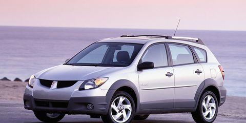 Tire, Wheel, Automotive mirror, Automotive tire, Mode of transport, Daytime, Vehicle, Product, Automotive design, Glass,