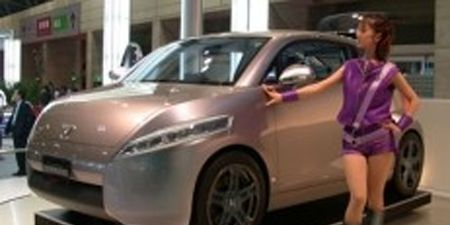 Motor vehicle, Tire, Mode of transport, Automotive design, Vehicle, Product, Automotive mirror, Land vehicle, Car, Transport,