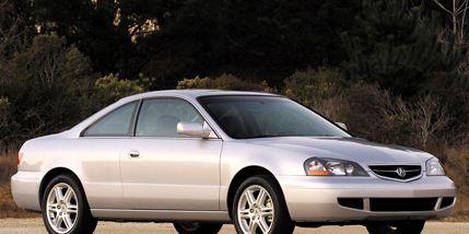 Tire, Wheel, Vehicle, Automotive mirror, Land vehicle, Glass, Automotive parking light, Automotive lighting, Transport, Hood,