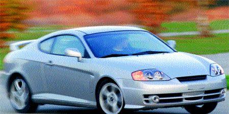 Tire, Wheel, Automotive design, Daytime, Transport, Vehicle, Automotive lighting, Automotive parking light, Land vehicle, Infrastructure,