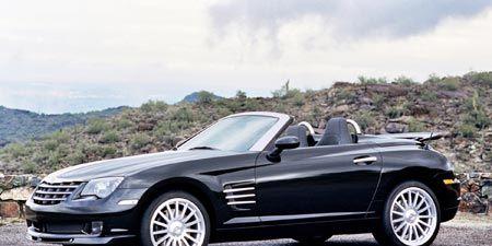Tire, Wheel, Automotive design, Mode of transport, Vehicle, Land vehicle, Hood, Car, Alloy wheel, Grille,