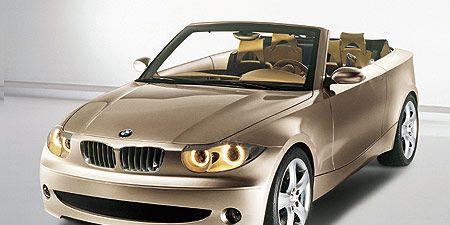 Motor vehicle, Mode of transport, Automotive design, Vehicle, Automotive mirror, Automotive exterior, Hood, Automotive lighting, Vehicle door, Grille,