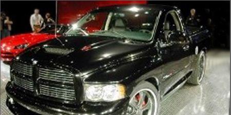 Motor vehicle, Tire, Mode of transport, Automotive design, Vehicle, Automotive mirror, Product, Land vehicle, Hood, Transport,