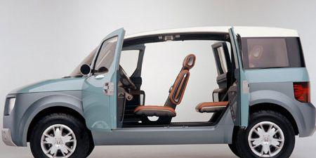 Tire, Motor vehicle, Automotive design, Automotive tire, Product, Vehicle, Transport, Vehicle door, Rim, Automotive exterior,