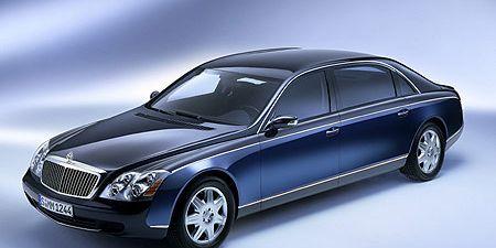 Tire, Wheel, Mode of transport, Automotive design, Vehicle, Transport, Rim, Spoke, Automotive lighting, Grille,