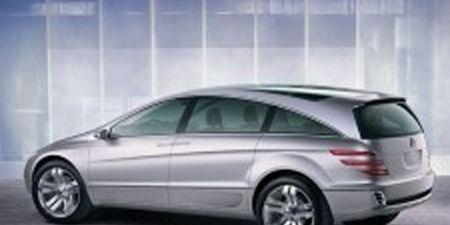 Tire, Wheel, Automotive design, Mode of transport, Alloy wheel, Vehicle, Automotive tire, Window, Rim, Spoke,