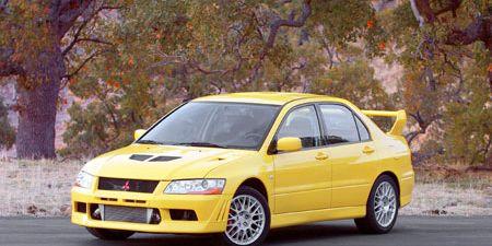 Tire, Wheel, Automotive design, Vehicle, Yellow, Transport, Land vehicle, Car, Automotive parking light, Hood,