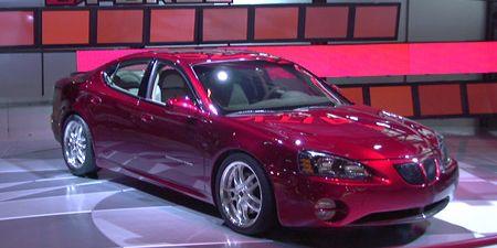 Tire, Mode of transport, Automotive design, Vehicle, Land vehicle, Automotive lighting, Transport, Glass, Car, Hood,