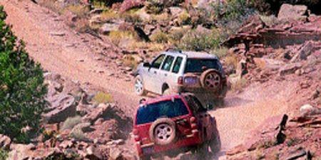Jeep Liberty vs  Land Rover Freelander