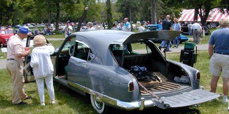 Land vehicle, Vehicle, Classic car, Car, Community, Classic, Antique car, Trunk, Personal luxury car, Luxury vehicle,