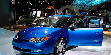 Tire, Wheel, Automotive design, Vehicle, Land vehicle, Automotive lighting, Event, Car, Automotive mirror, Auto show,