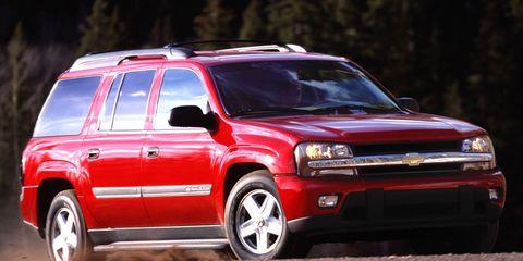 Tire, Wheel, Automotive design, Vehicle, Automotive tire, Automotive exterior, Rim, Car, Hood, Red,