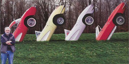 Jeans, Fender, Alloy wheel, Carmine, Rim, Auto part, Synthetic rubber, Hubcap, Tire care,