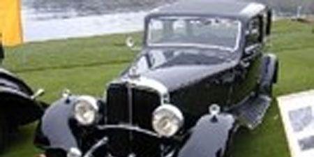 Motor vehicle, Mode of transport, Automotive design, Grass, Vehicle, Land vehicle, Property, Photograph, Car, Glass,