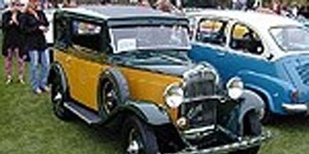Motor vehicle, Tire, Mode of transport, Automotive design, Vehicle, Yellow, Land vehicle, Classic car, Car, Photograph,