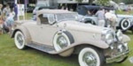 Mode of transport, Vehicle, Automotive design, Photograph, White, Car, Classic, Classic car, Fender, Antique car,