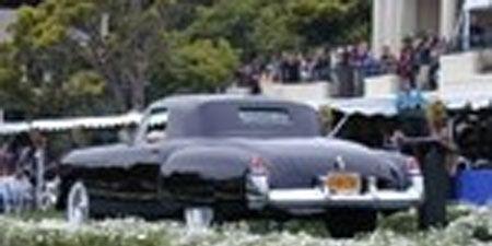 Motor vehicle, Mode of transport, Vehicle, Land vehicle, Automotive exterior, Transport, Photograph, White, Car, Classic car,