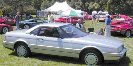 Wheel, Tire, Land vehicle, Vehicle, Car, Tent, Fender, Alloy wheel, Rim, Personal luxury car,