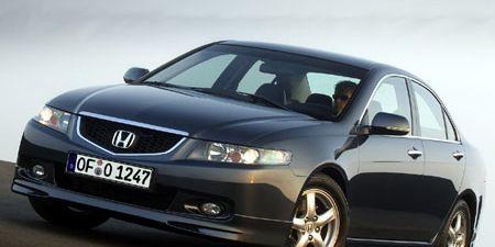 Motor vehicle, Mode of transport, Automotive mirror, Product, Daytime, Vehicle, Transport, Glass, Automotive design, Land vehicle,