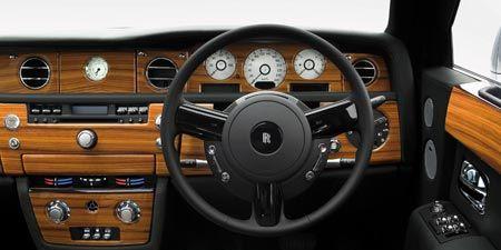Motor vehicle, Steering part, Mode of transport, Steering wheel, Brown, Transport, Car, Center console, Gauge, Speedometer,