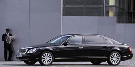 Tire, Wheel, Vehicle, Automotive design, Car, Full-size car, Luxury vehicle, Personal luxury car, Spoke, Mid-size car,