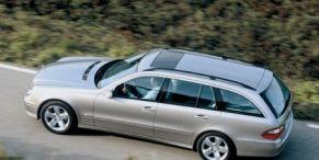 Tire, Wheel, Motor vehicle, Mode of transport, Automotive tire, Transport, Automotive design, Vehicle, Land vehicle, Road,