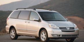 Tire, Motor vehicle, Wheel, Automotive mirror, Mode of transport, Automotive design, Vehicle, Automotive tire, Transport, Glass,