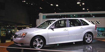 Tire, Wheel, Automotive design, Vehicle, Glass, Land vehicle, Transport, Alloy wheel, Rim, Car,