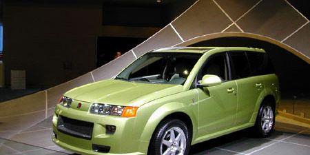 Motor vehicle, Tire, Wheel, Automotive design, Automotive mirror, Vehicle, Automotive tire, Automotive lighting, Transport, Rim,