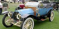 Motor vehicle, Mode of transport, Automotive design, Vehicle, Photograph, White, Car, Fender, Classic, Rim,